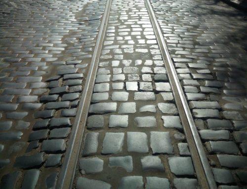 На площі Кропивницького замінено 37 метрів трамвайної колії